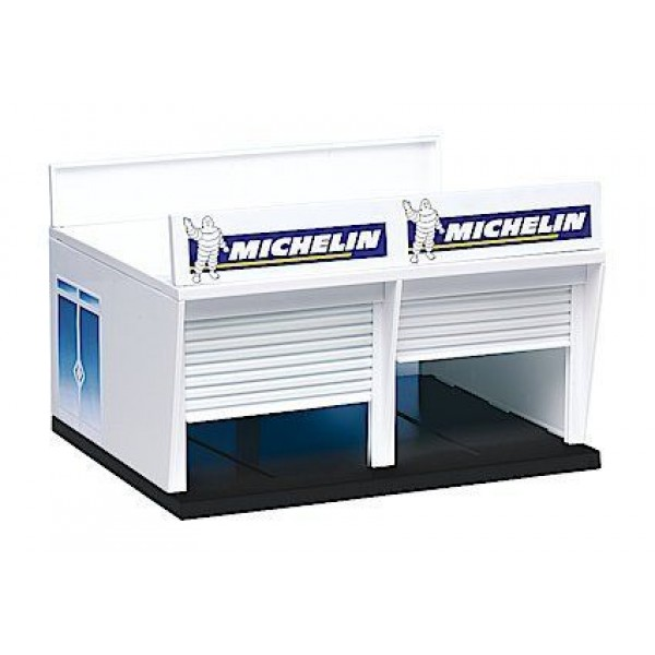Carrera of America Pit Stop Lane, 1 Double Garage with Railing